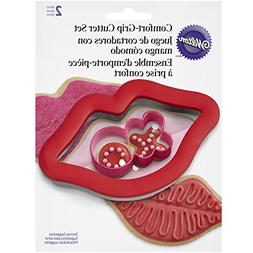 """Wilton 2 Piece Cushioned Grip Lips with """"XO"""" Cookie Cutter S"""